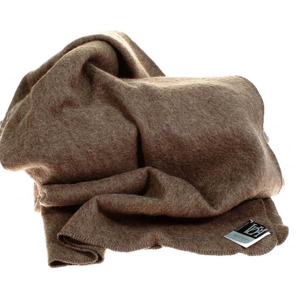 plaid laine des Pyrénées marron en stock chez Val d\'Arizes